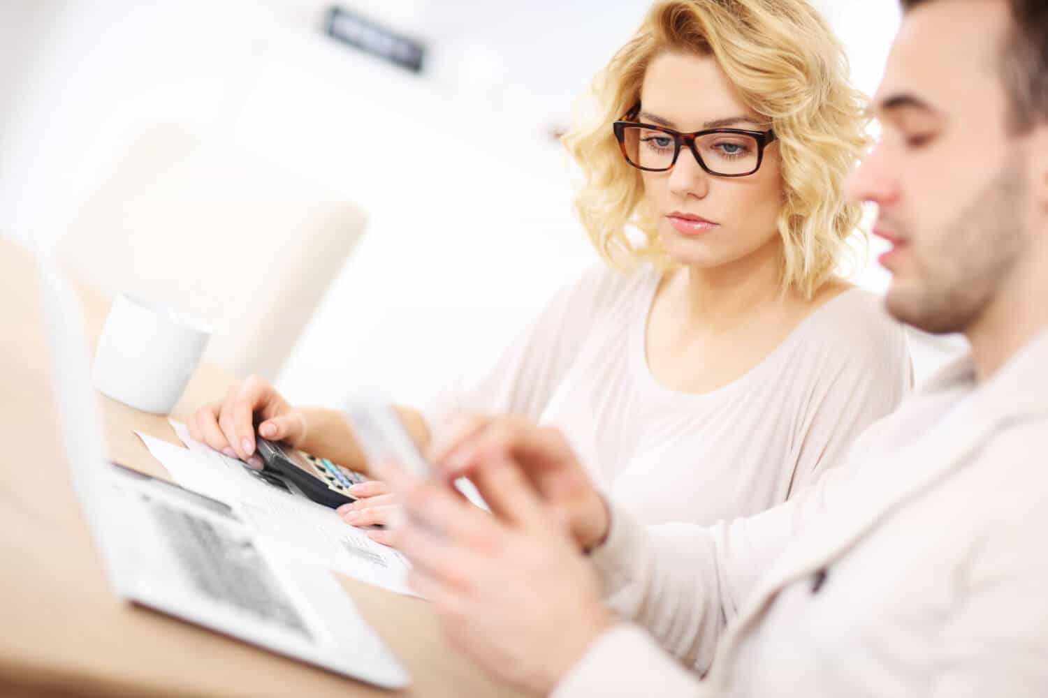 When Handling Money, Women Have Better Money Management Skills - Debt.com