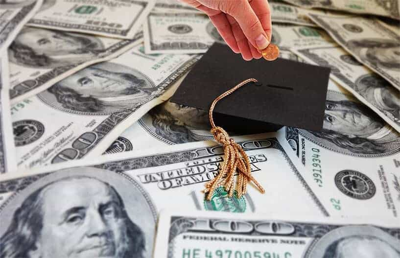 Americans paying for college